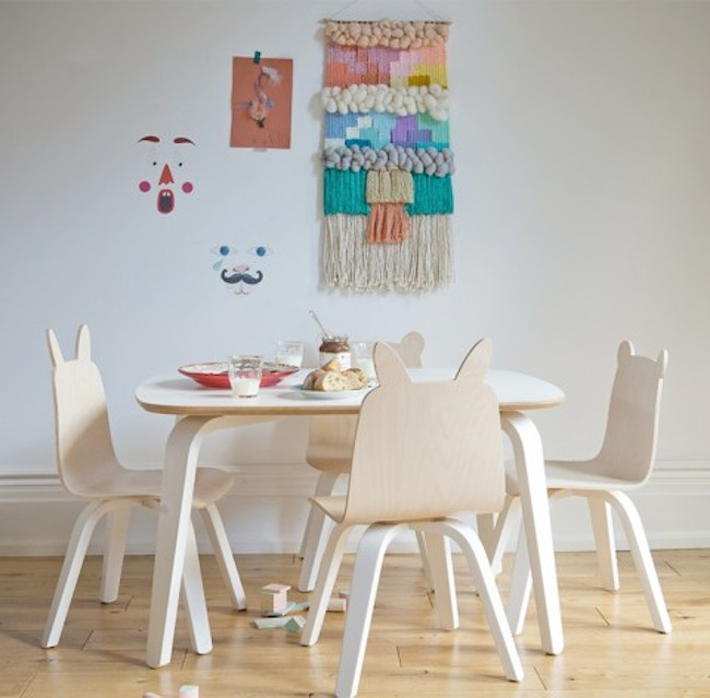 Table-and-chairs-snacks-480x472