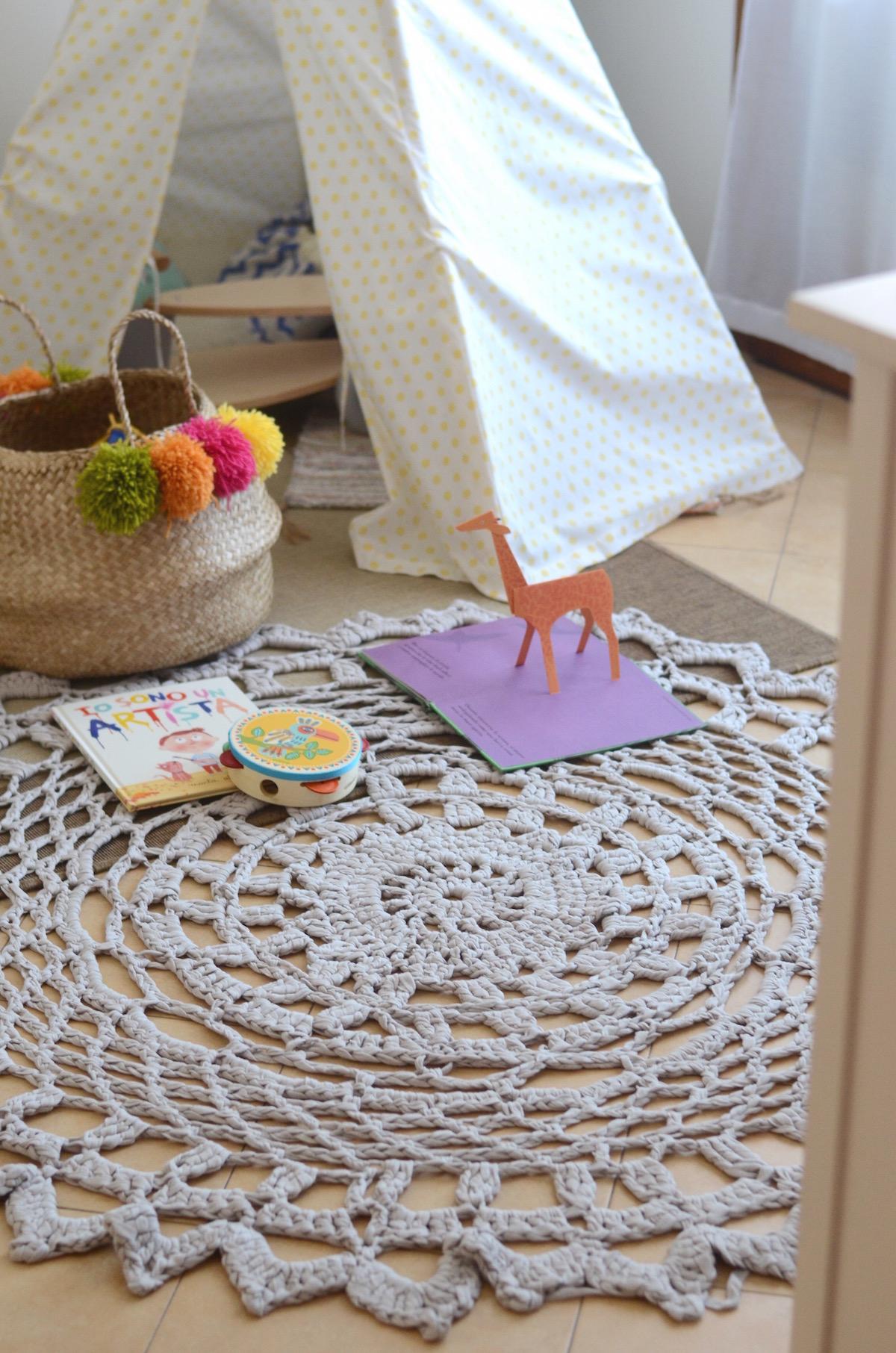 tappeto crochet con fettuccia